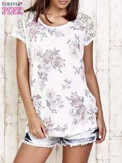 Ecru t-shirt w kwiaty