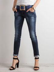Granatowe jeansowe rurki