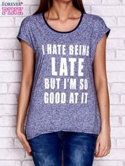Granatowy t-shirt z napisem I HATE BEING LATE