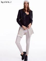 Jasnobeżowe dekatyzowane spodnie BY O LA LA