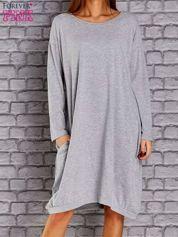 Jasnoszara dresowa sukienka oversize z kieszeniami