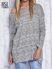 Jasnoszary melanżowy sweter z łezką na plecach