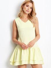 Jasnożółta sukienka z warstwowymi falbanami
