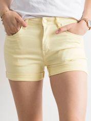 Jasnożółte szorty damskie