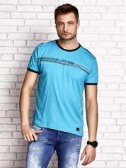 Jasny zielony t-shirt męski z motywem tekstowym