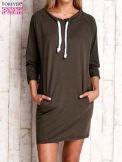 Khaki sukienka z troczkami