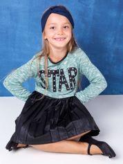 Melanżowa zielona sukienka dziecięca z napisem STAR