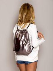 Miedziany błyszczący plecak worek