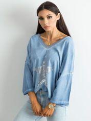 Niebieska luźna bluzka z nadrukiem