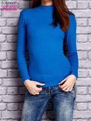 Niebieska prążkowana bluzka z półgolfem