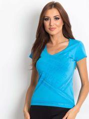 Niebieski t-shirt ze sportowym nadrukiem