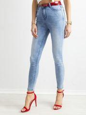 Niebieskie jasne jeansy rurki z wysokim stanem