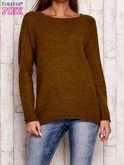 Oliwkowy dzianinowy sweter