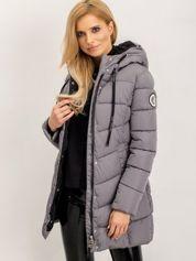 Pikowana damska kurtka zimowa z kapturem szara