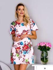 Różowa sukienka w  kolorowe kwiaty