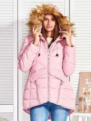 Różowy puchowy krótki płaszcz z pikowzaniem