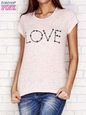 Różowy t-shirt z napisem LOVE