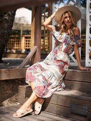SCANDEZZA Biało-bordowa sukienka maxi z etnicznym nadrukiem