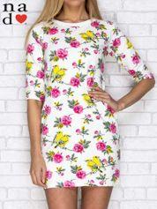 Sukienka dresowa z nadrukiem kwiatów i ptaszków ecru