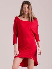 Sukienka oversize z obniżoną linią ramion czerwona