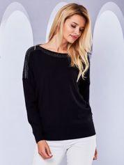 Sweter nietoperz z dżetami i suwakami czarny
