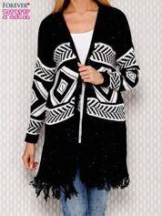 Sweter w geometryczne wzory granatowy
