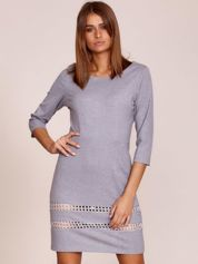 Szara sukienka z ażurowymi wstawkami