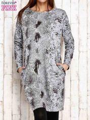 Szara sukienka z motywem skóry węża i brokatową aplikacją