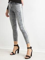 Szare spodnie jeansowe skinny z cekinowymi lampasami