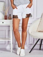Szorty damskie z ażurowymi wstawkami białe