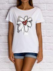 T-shirt damski z rysunkowym kwiatem biały