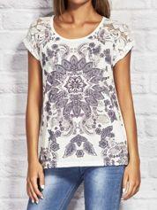 T-shirt w ornamentowe wzory ecru