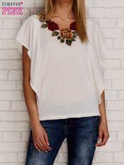 T-shirt z kwiatowym haftem i falbanami ecru