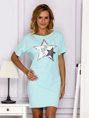 Turkusowa sukienka z naszywką gwiazdy