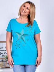 Turkusowy t-shirt z błyszczącymi gwiazdami PLUS SIZE