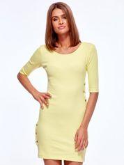 Żółta prążkowana sukienka z kółeczkami