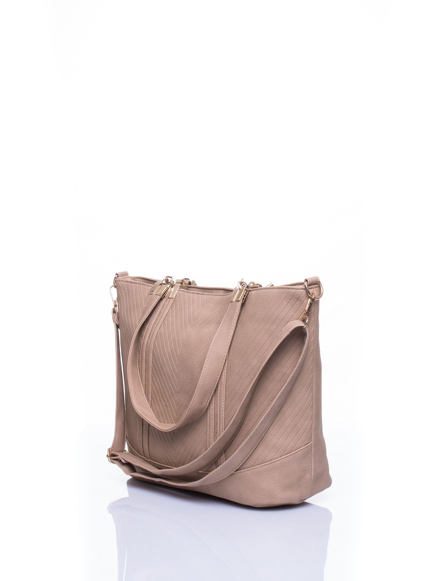 Beżowa fakturowana torebka damska ze złotymi okuciami                                  zdj.                                  5