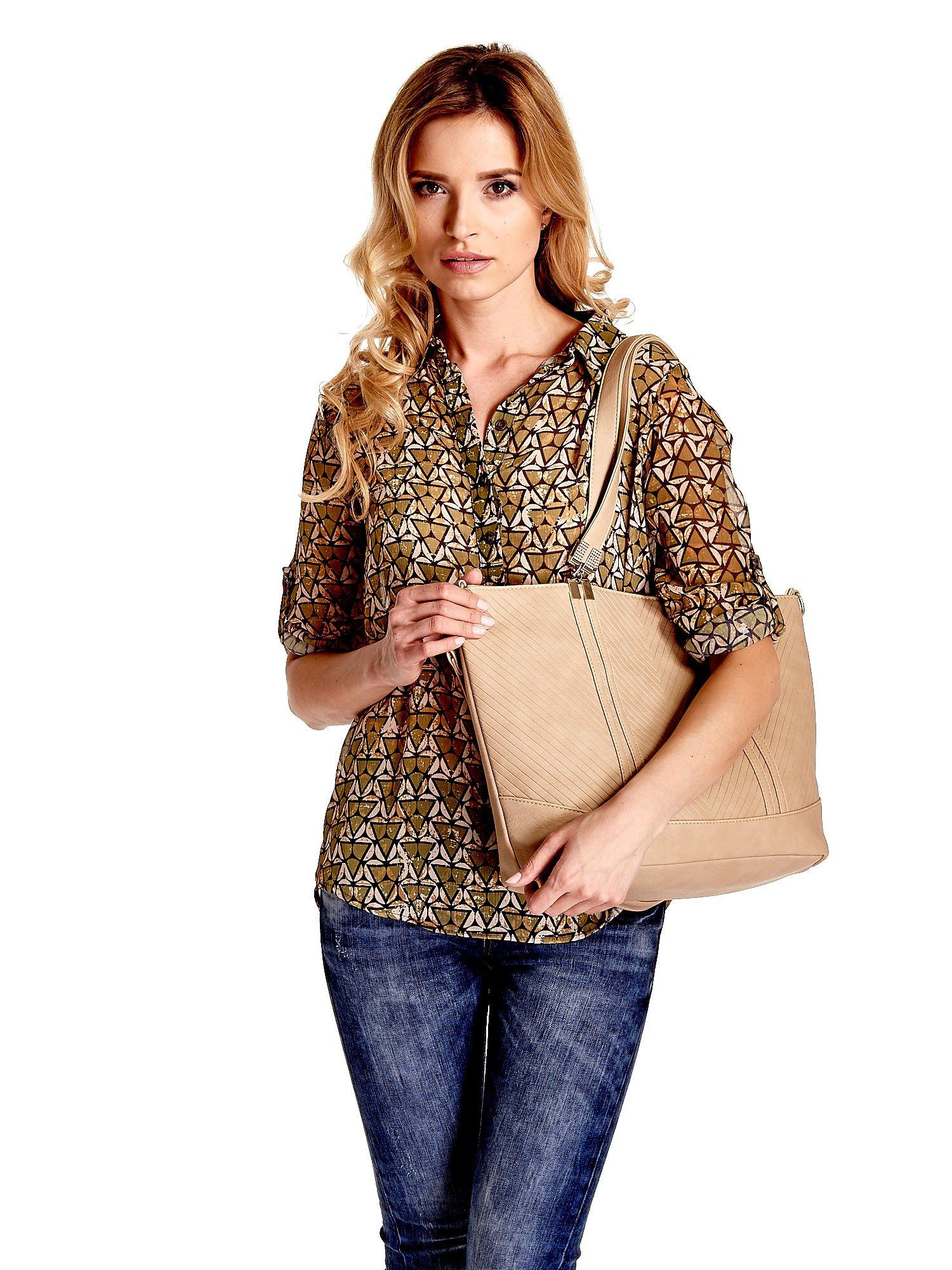 Beżowa fakturowana torebka damska ze złotymi okuciami                                  zdj.                                  1
