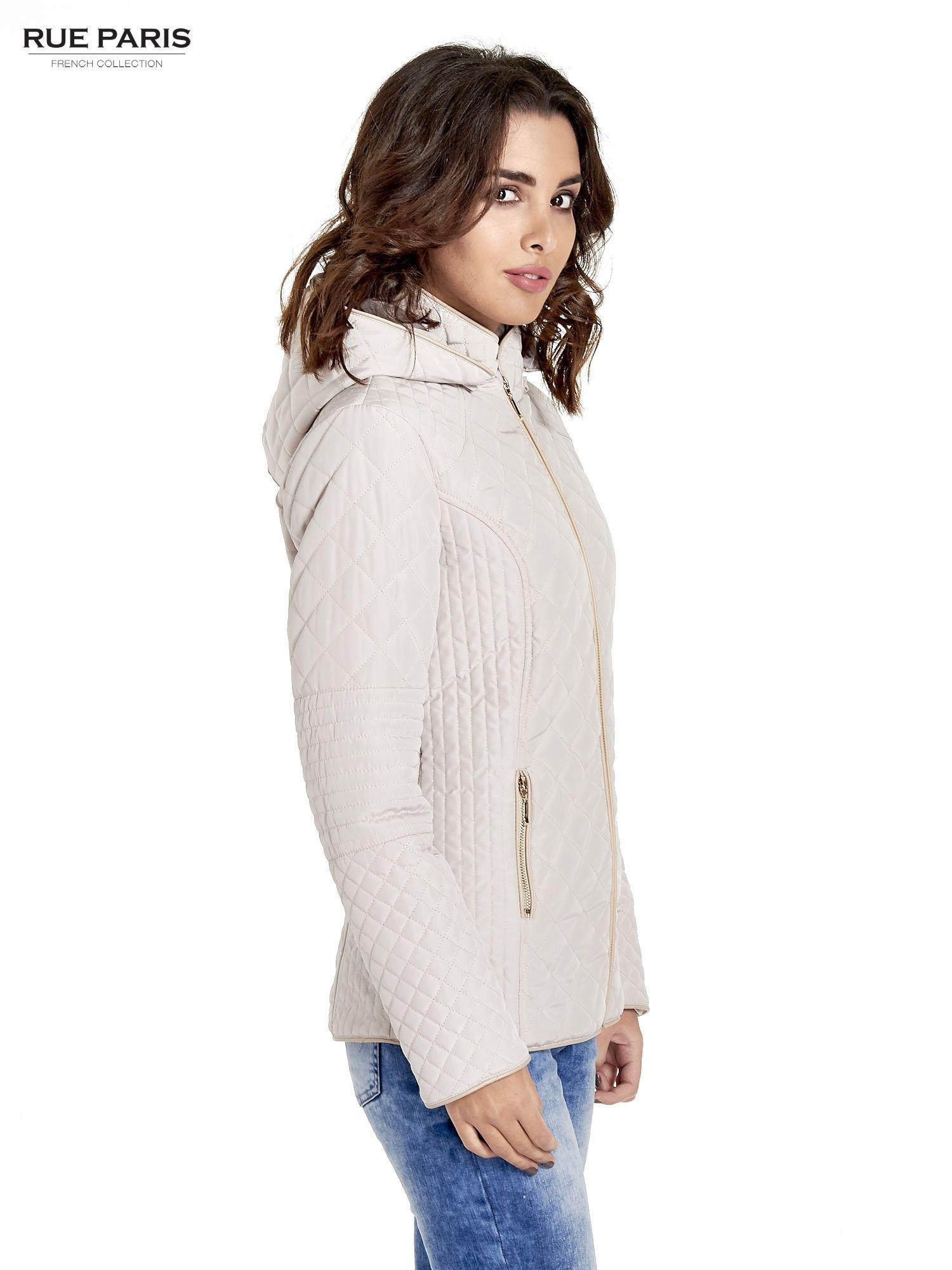 Beżowa pikowana kurtka z kapturem w stylu husky                                  zdj.                                  3