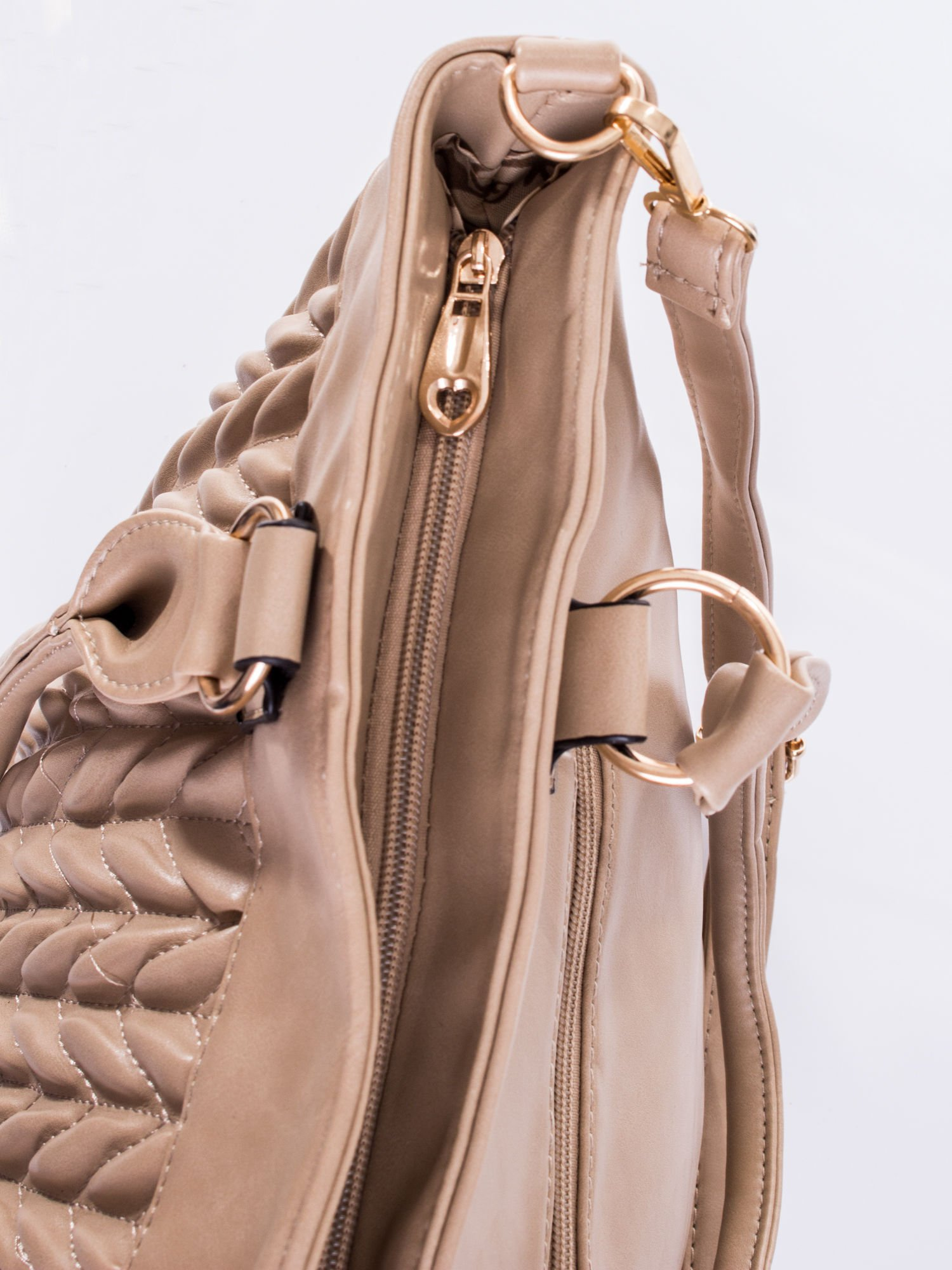 Beżowa pikowana torba na ramię                                  zdj.                                  9