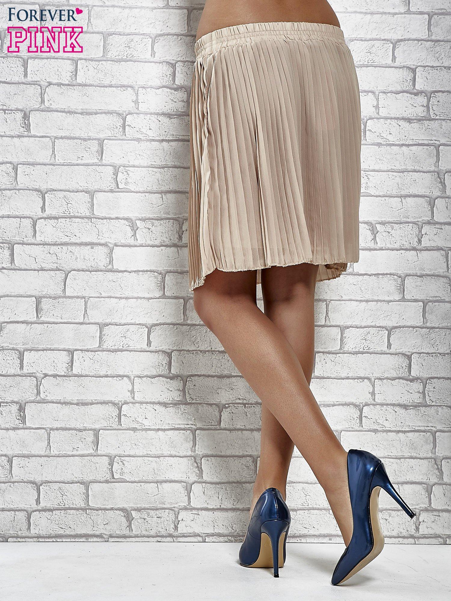 Beżowa plisowana spódnica do kolan                                  zdj.                                  5