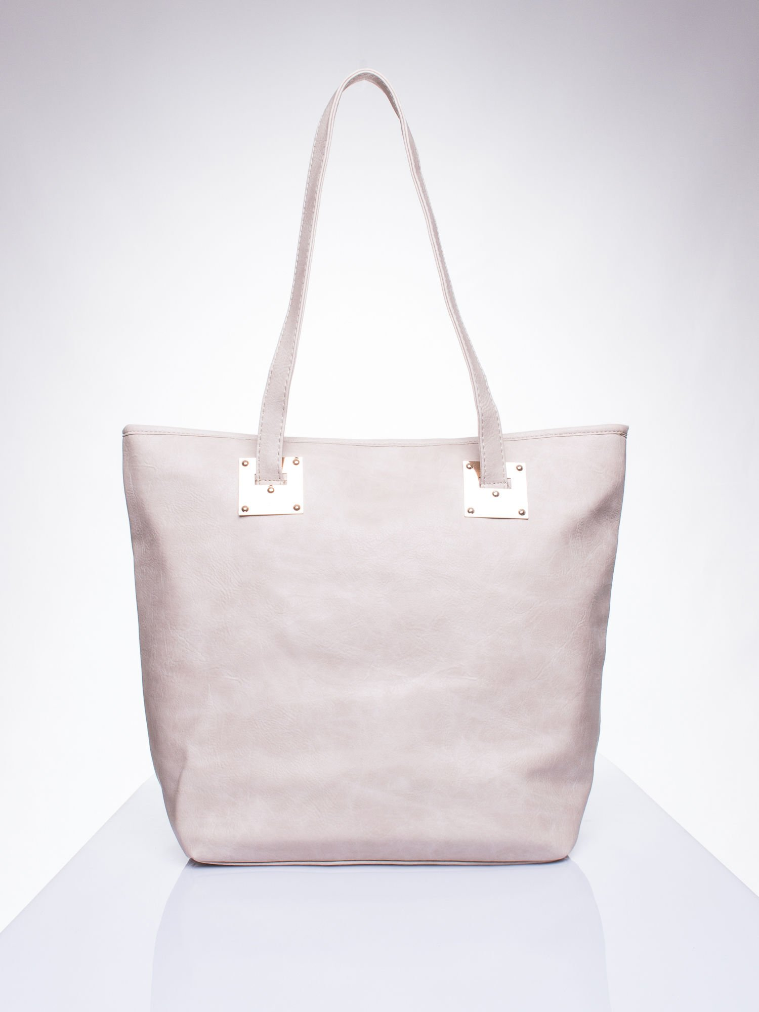 85e58599ba6b5 Beżowa prosta torba shopper bag ze złotymi okuciami - Akcesoria ...