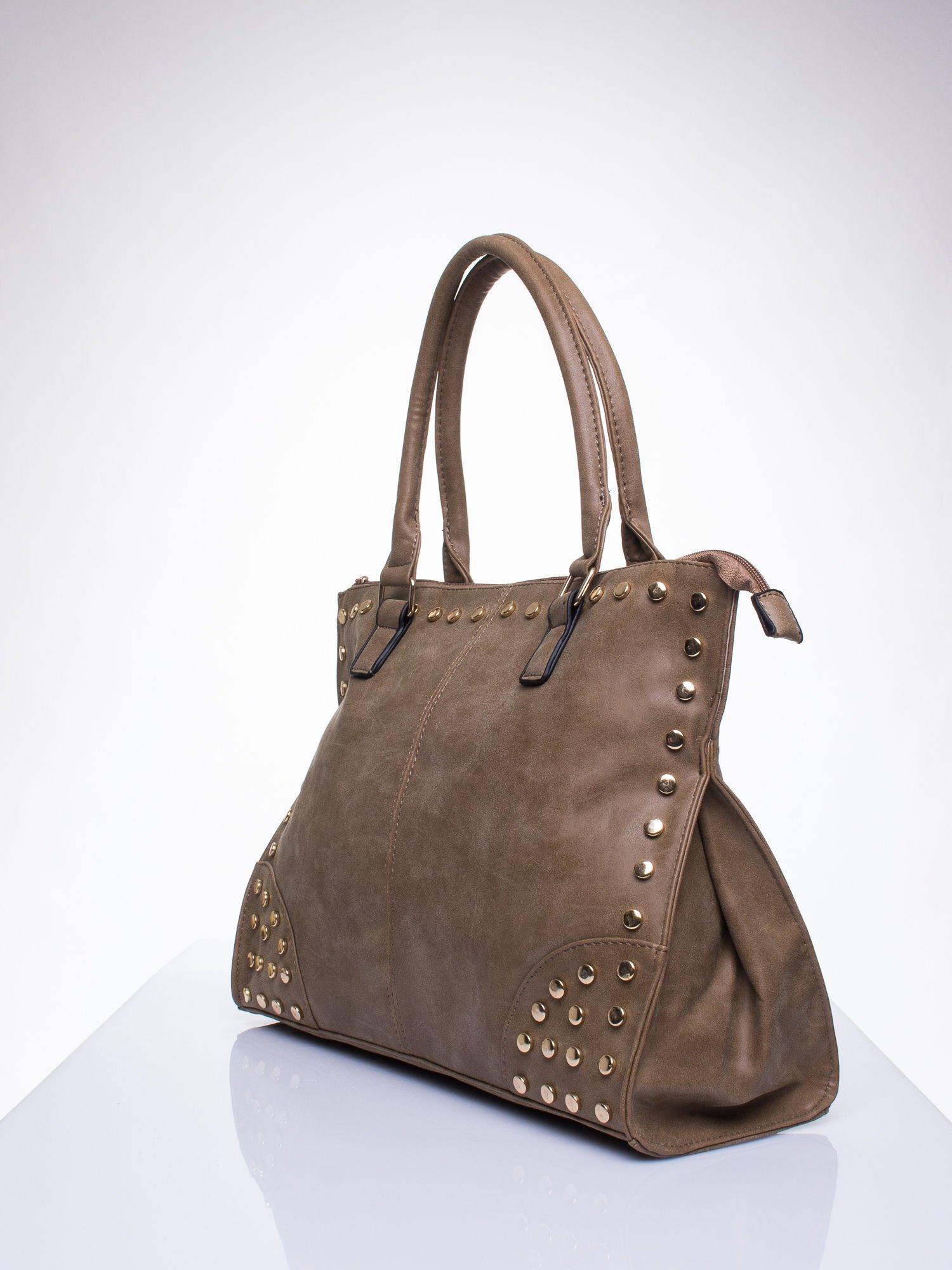 6d96bdea1f617 Beżowa torba shopper bag ze złotymi ćwiekami - Akcesoria torba ...