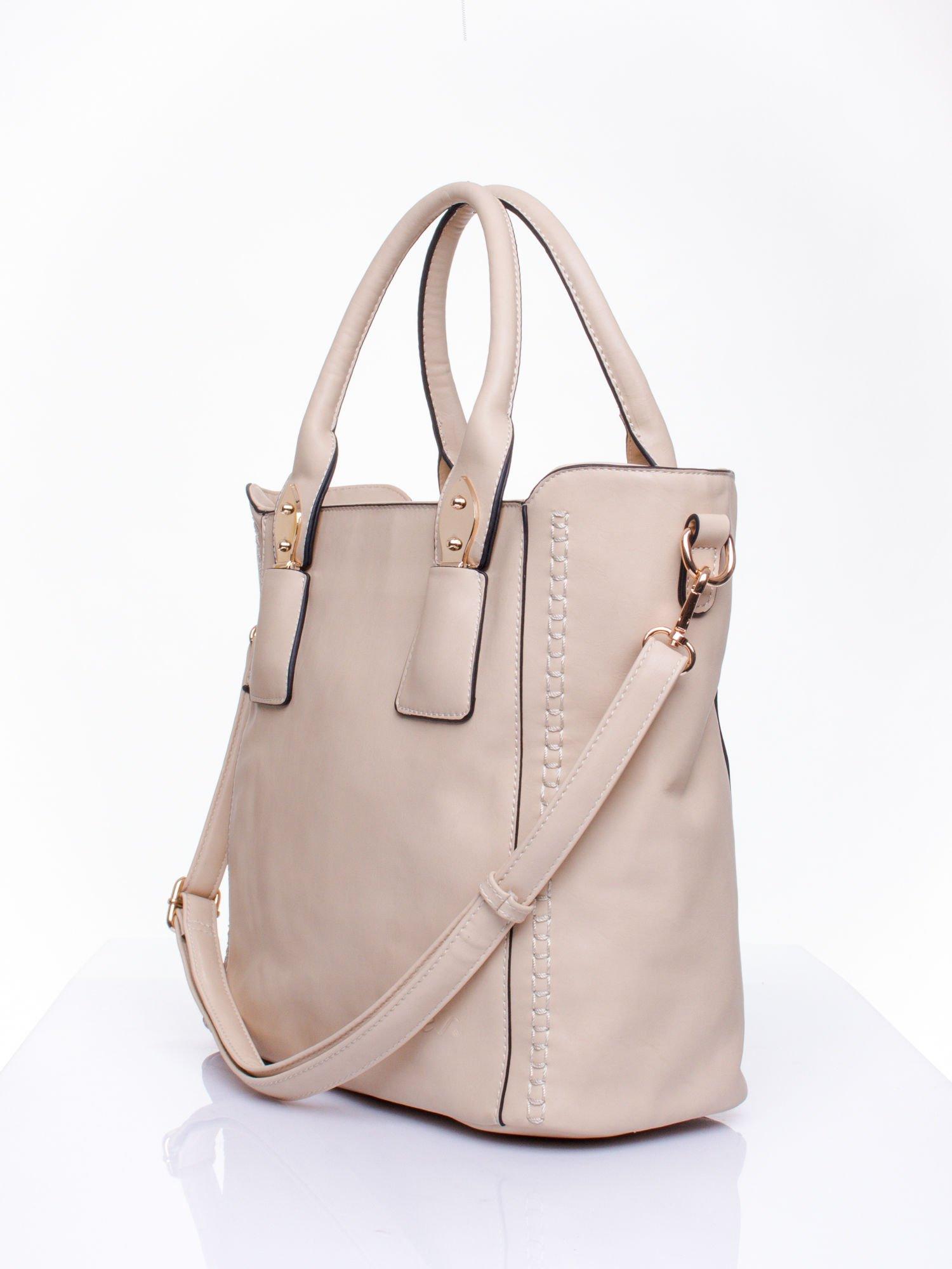 Beżowa torba shopper ze stębnowaniem                                  zdj.                                  2
