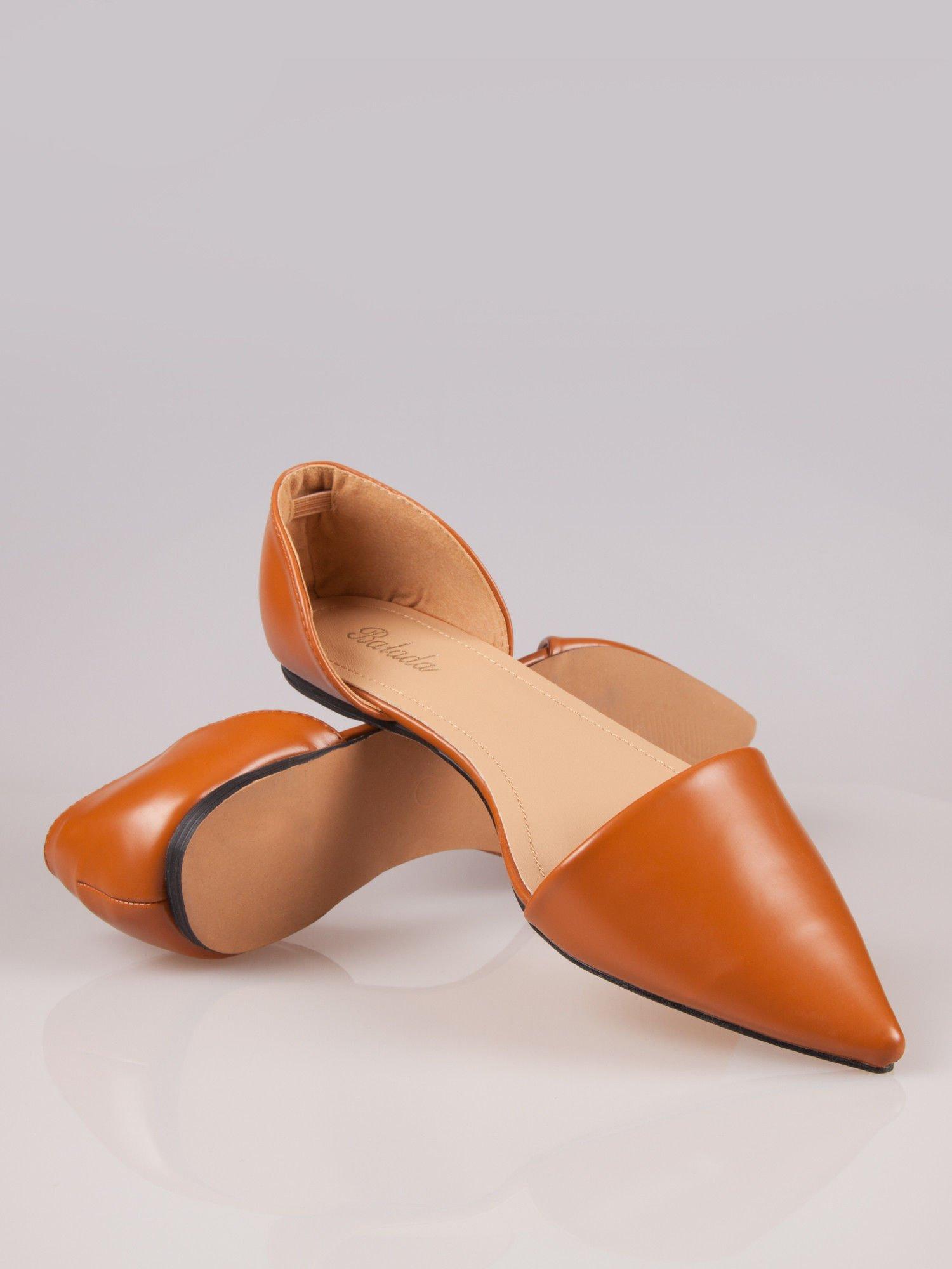 Beżowe baleriny faux leather Tiffany z wyciętymi bokami                                  zdj.                                  3