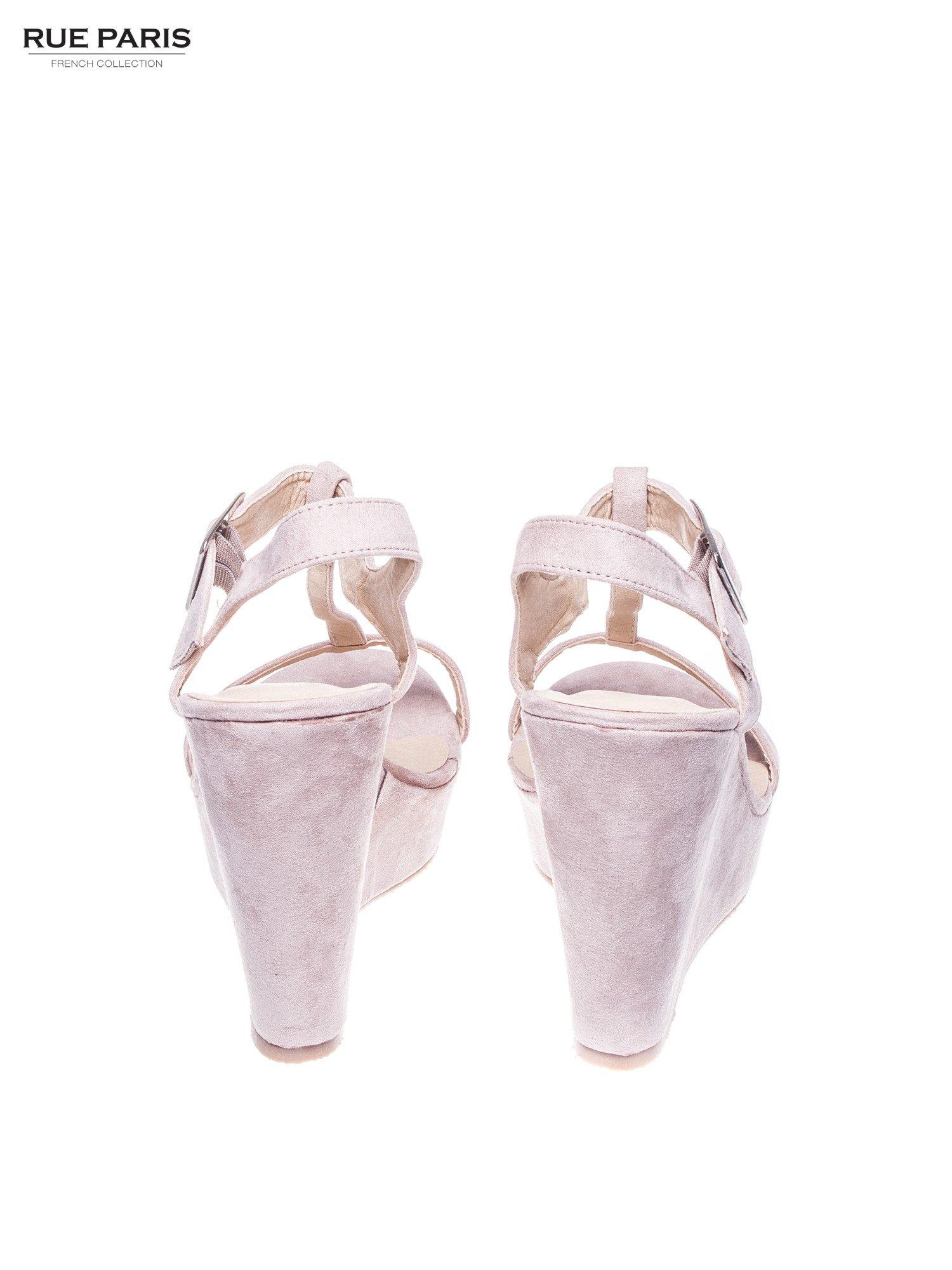 Beżowe zamszowe sandały t-bary na koturnie                                  zdj.                                  3