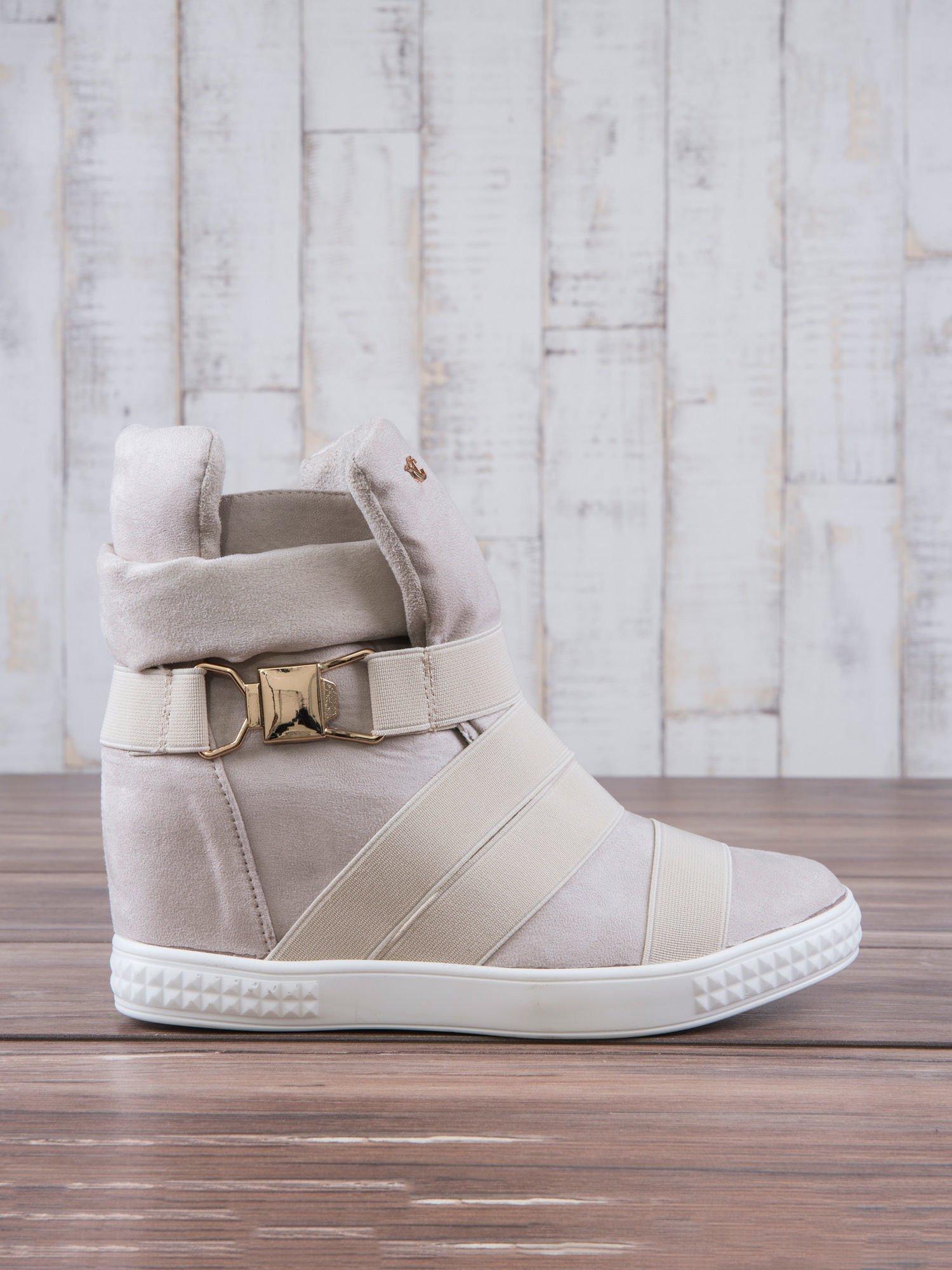 Beżowe zamszowe sneakersy bandage z klamerką Lucky                                  zdj.                                  2