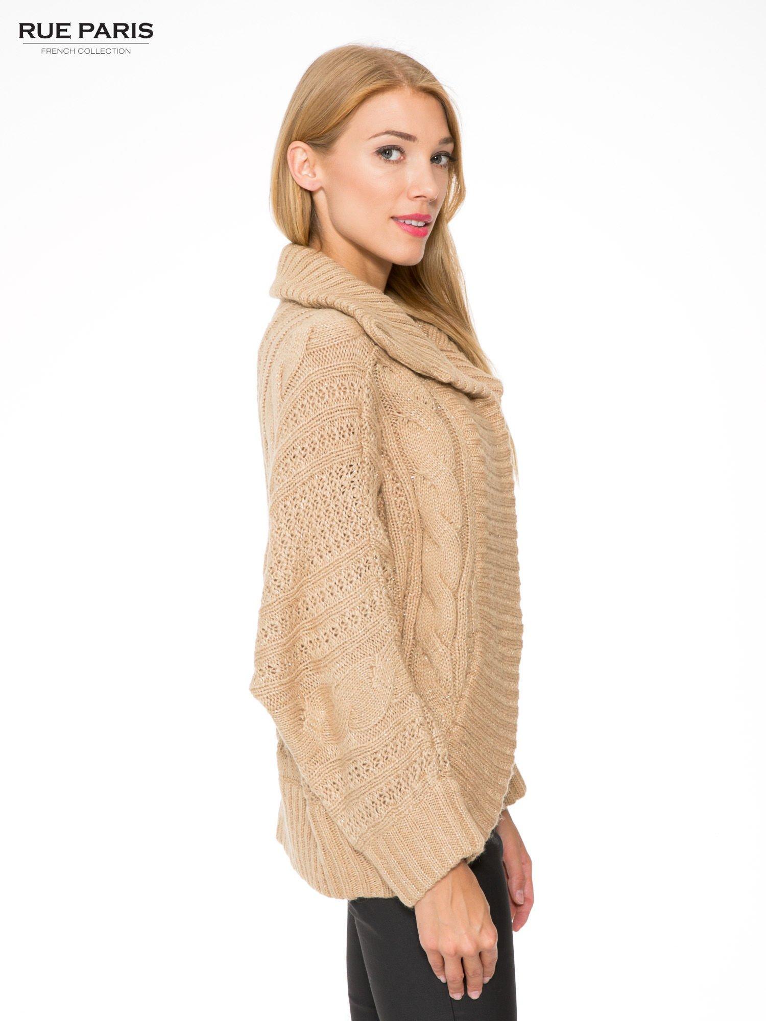 Beżowy dziergany sweter typu kardigan przeplatany błyszczącą nicią                                  zdj.                                  3