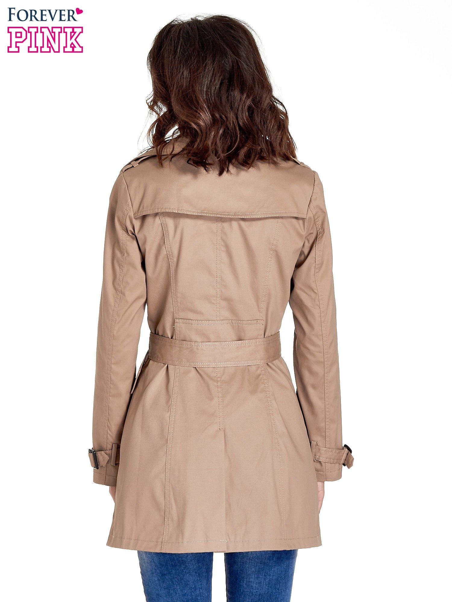 Beżowy klasyczny płaszcz typu trencz                                  zdj.                                  4