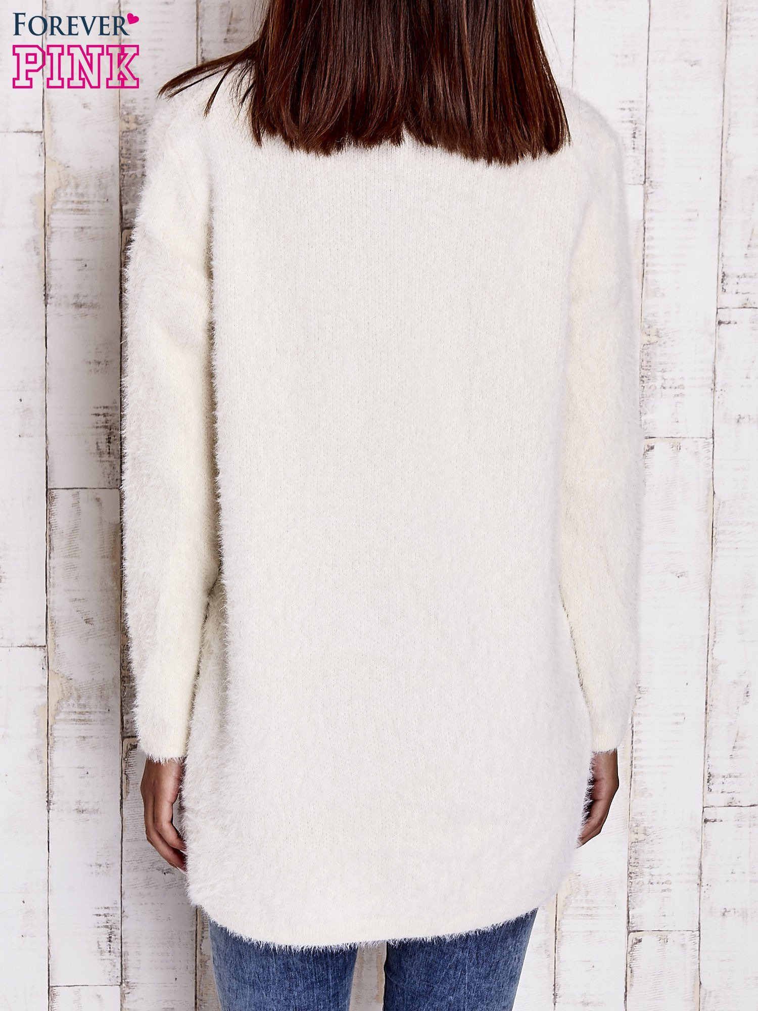 Beżowy sweter oversize z kieszeniami                                  zdj.                                  4